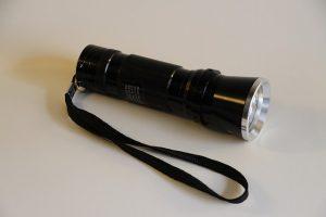 flashlight-325462_640